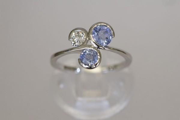 Diamond & Sapphire 3 Stone Platinum Ring